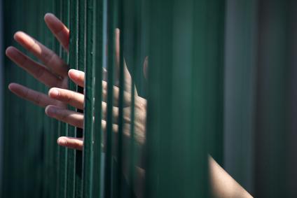 Non au programme de soins ambulatoires en prison !