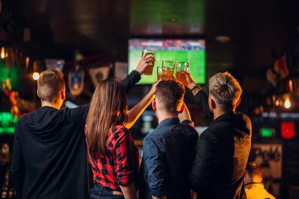 Un univers alcoolique - La pression publicitaire au quotidien