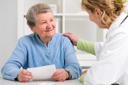 Aides-soignants, infirmiers : des métiers d'avenir