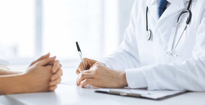 Un médecin libéral sur dix en activité cumule emploi et retraite