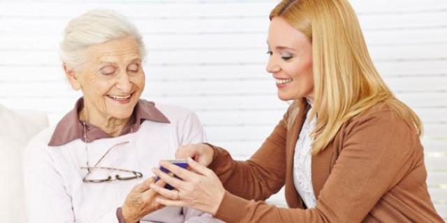 Nouvelles générations, nouvelles expressions, nouvelles approches : autres regards sur l'âge avancé ?