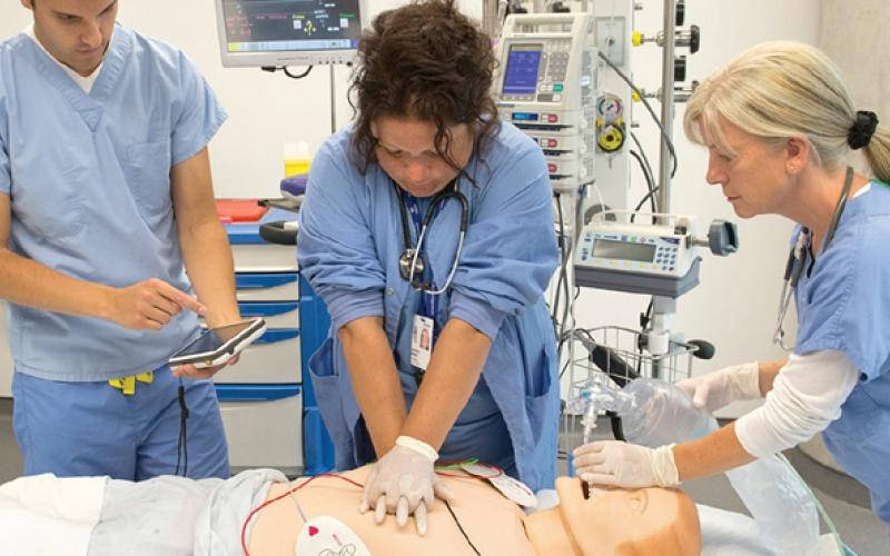 Apprendre grâce à la simulation en santé