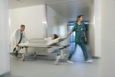 Un guide pour aider au signalement d'événements indésirables graves associés aux soins