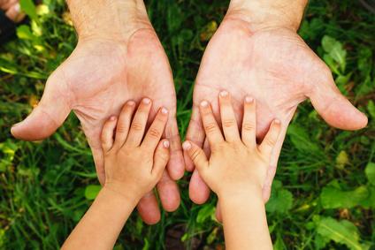 Autisme : mieux accompagner le stress parental améliorerait la qualité de vie de la famille