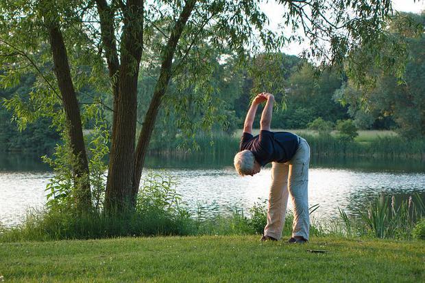 Au grand âge, l'exercice physique préserve des chutes