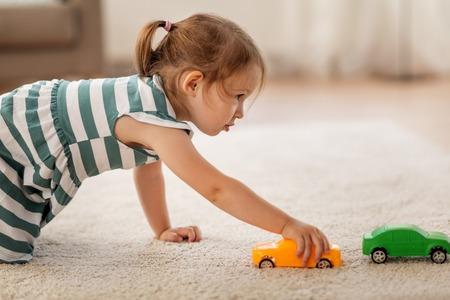 Une charte contre les préjugés de genre dans les jouets