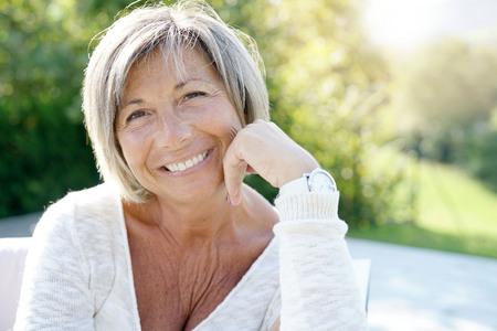 Espérance de vie sans incapacité : 64,5 ans pour les femmes et 63,4 ans pour les hommes