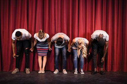 Le théâtre pour tous, un espace de (ré)création