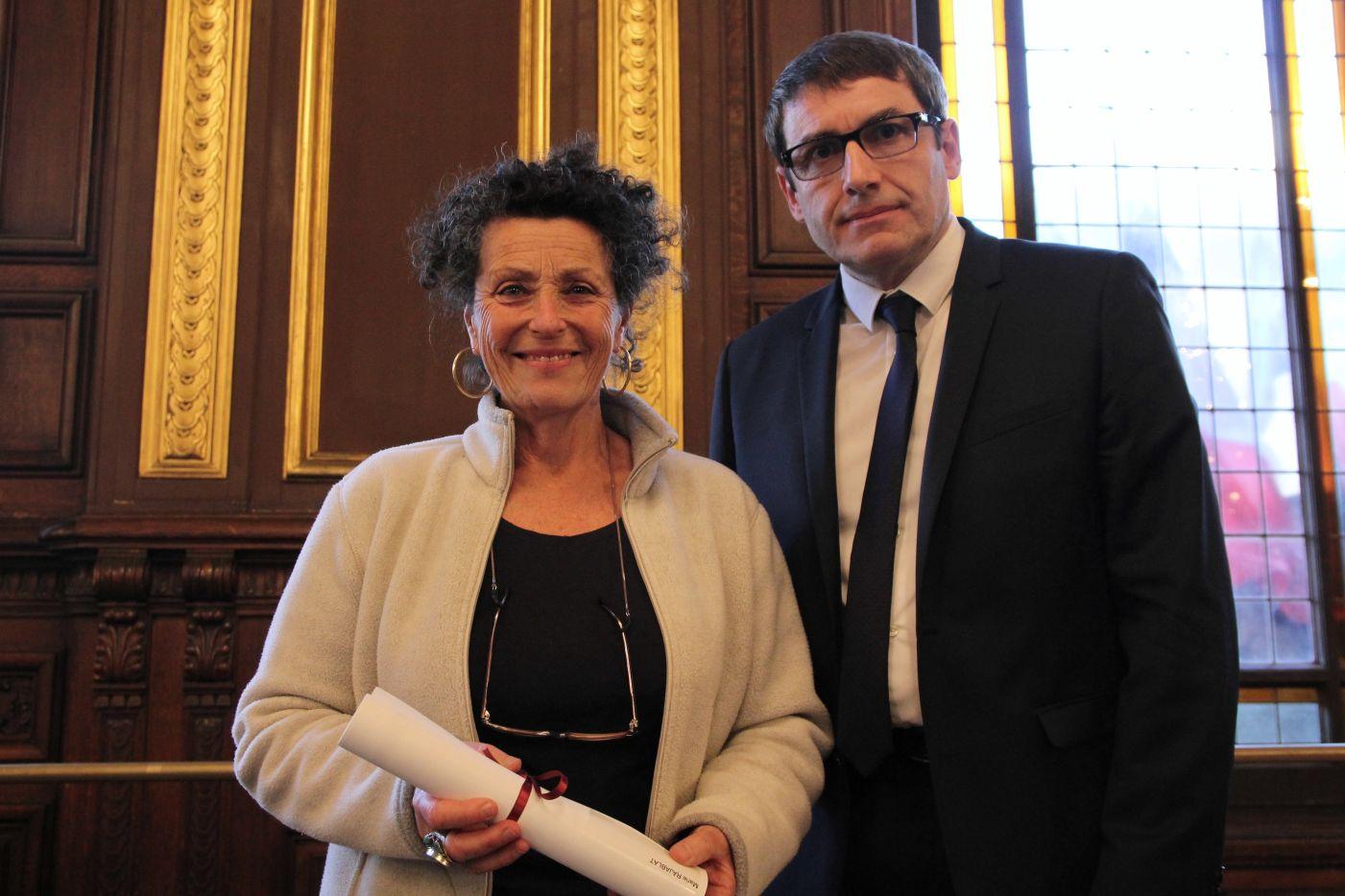 Marie Rajablat, infirmière psy, reçoit le Prix Seligman contre le racisme