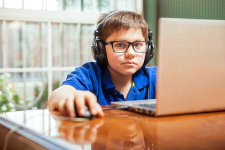 L'Aide sociale à l'enfance à besoins d'ordinateurs !
