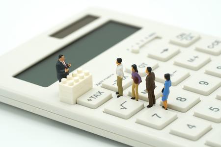 1 milliard d'euros de fraudes aux prestations sociales...