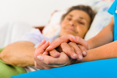Moins de soins de prévention, de recours aux spécialistes et plus d'hospitalisations évitables chez les personnes suivies pour un trouble psychique sévère