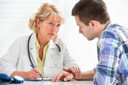 L'examen somatique du patient dans la procédure de soins sous contrainte