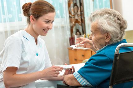 Covid-19 : l'hôpital a tenu grâce à la prise en charge des résidents malades dans les EHPAD,