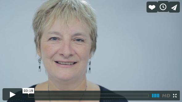 Francine de Montigny reçoit l'Insigne du mérite 2014