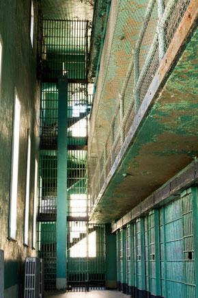 Nicole Belloubet annonce une étude sur les troubles psychiatriques en prison